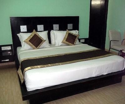 Corporate Prime, DLF Phase II,