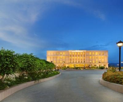 Seyfert Sarovar Portico - A Sarovar Hotel