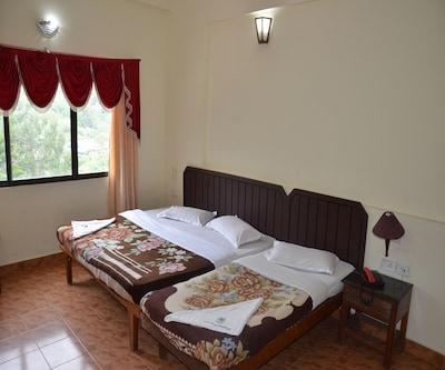 Poopada Resorts,Munnar