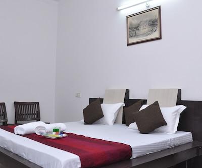 Gurjeet Guest House,Amritsar