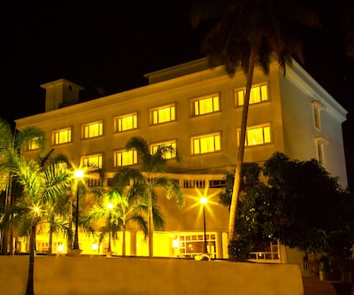 Camelot Hotel,Alleppey
