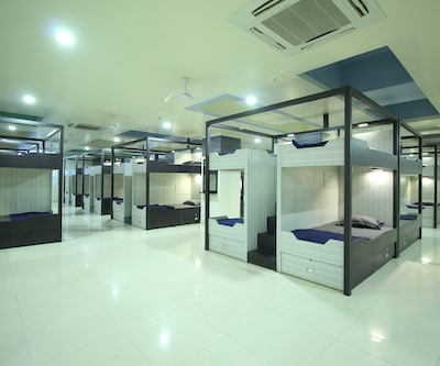 In & Out Dormitory (jackpot),Ahmedabad