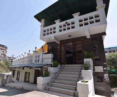 Hotel Natraj Palace,Mussoorie