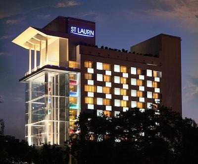 ST LAURN HOTEL,KOREGAON PARK