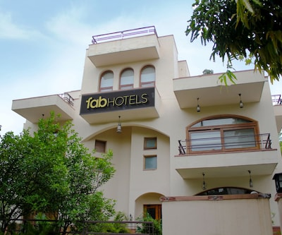 FabHotel Pearl Villas Sector 31,Gurgaon