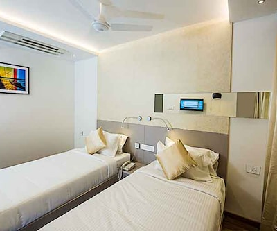 Hotel Vivana, Siripuram Junction,