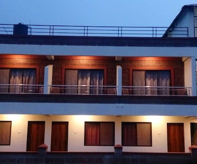 The Royal Oak Resort,Mahabaleshwar