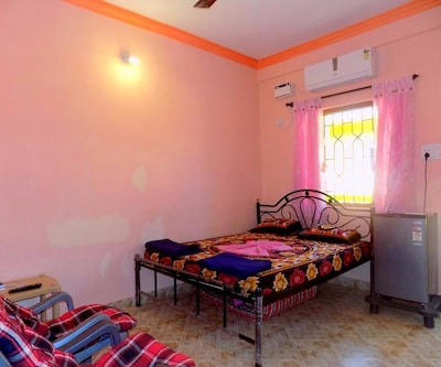 Seema Holiday Guest House-Calangate,Goa