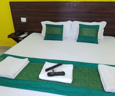 Deluxe Room Only,