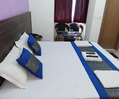 Aero Indus Hotel,New Delhi