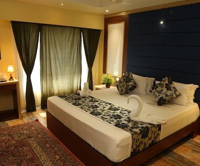 Hotel Madni Royale, Dargah Shareef,