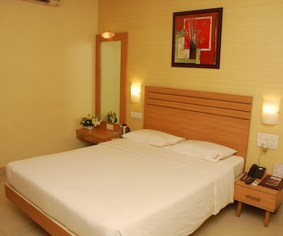 JK Rooms-Pune Railway Station, Sangamvadi,Pune