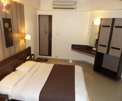 Aura Hotel,Pune