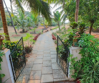1-bedroom boutique stay, 800 m from Candolim beach,Goa