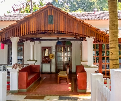 Riverside 4BHK heritage villa, ideal for a large group getaway,Goa
