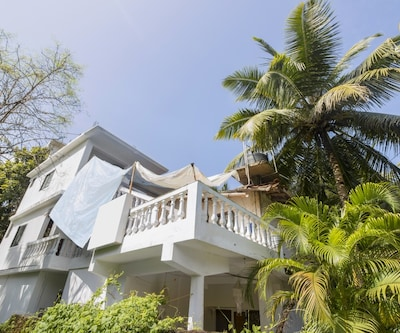 Peaceful hideaway for three, close to Calangute Beach,Goa