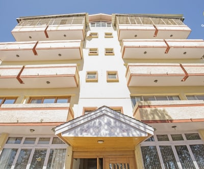 Spacious room with a warm ambience, for a small group,Shimla