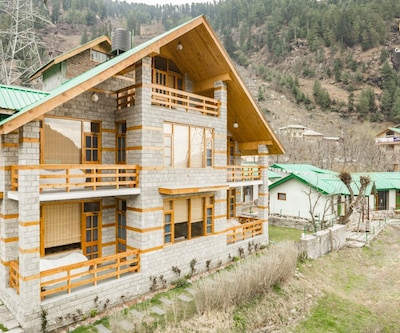 5-BR hilly abode ideal for a relaxing weekend getaway,Manali