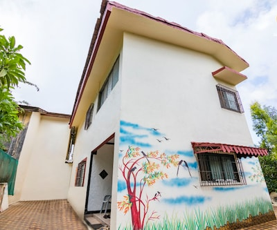Cheerful 4-BR bungalow ideal for a group getaway,Lonavala