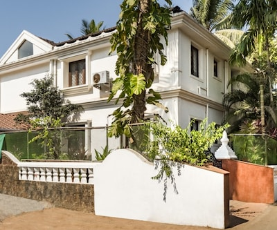 Elegant 1-bedroom apartment, close to Calangute beach,Goa