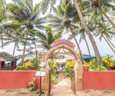 Eco-friendly stay for the nomad in you, close to Anjuna beach,Goa