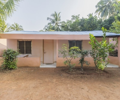 Rustic stay for a backpacker, 50 m from Arambol Beach,Goa