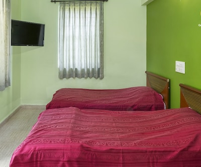 Rejuvenating boutique stay for three, 750 m from Colva beach, Colva,