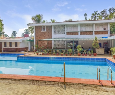 2-bedroom cottage with a swimming pool, 3.9 km from LPK waterfront club,Goa