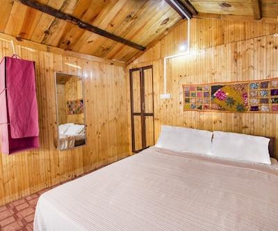 Beachfront hut on Palolem beach, ideal for a romantic getaway, Palolem Beach,