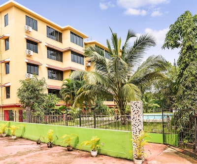 Blissful apartment with pool for 3, close to Vagator beach,Goa