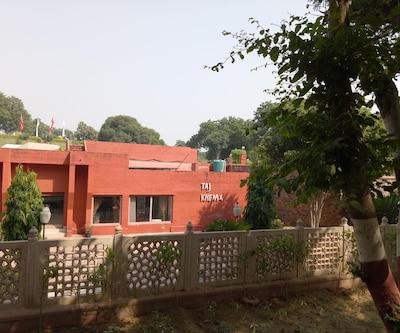 Taj Kheema Hotel,Agra