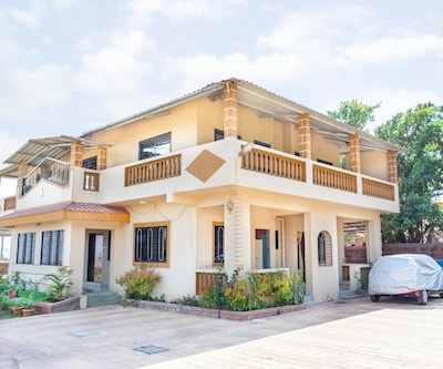 4-BR bungalow with a serene vibe, close to Wilson Point,Mahabaleshwar