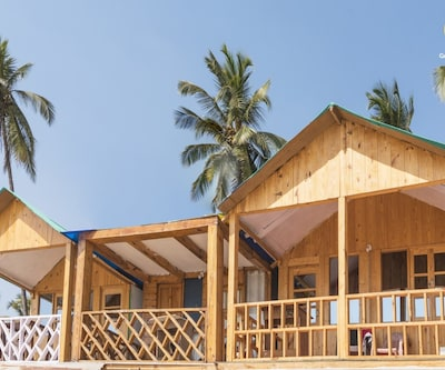 Commodious beachside cottage, perfect for backpackers,Goa