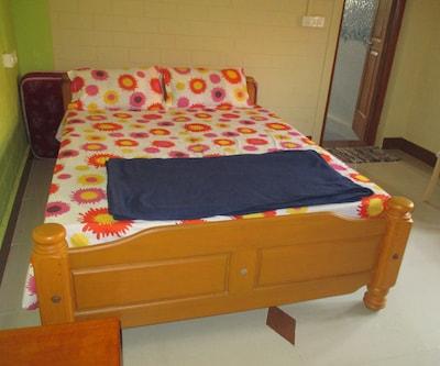 Vairam Guest House,Chennai