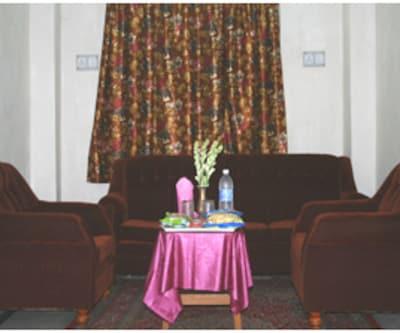 Uttam Guest House