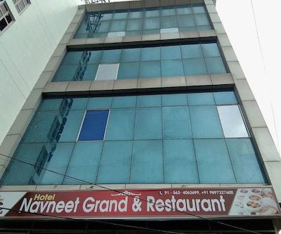 Hotel Navneet Grand,Agra
