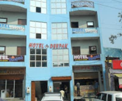 Hotel Deepak,Agra