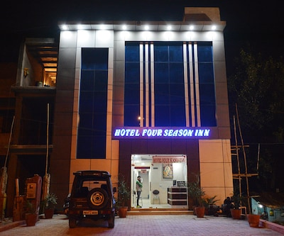Hotel Four Season Inn,Agra