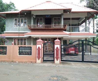 Mangalappillil Home Stay,Munnar
