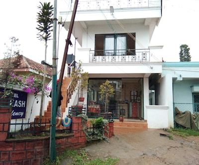 Hotel Prakash Residency,Ooty