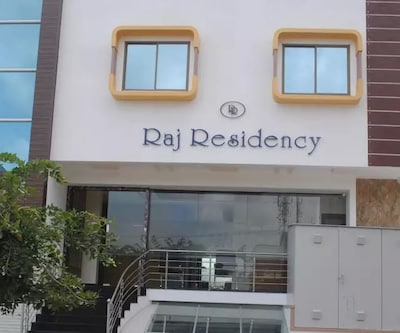 Hotel Raj Residency Behind Global Village