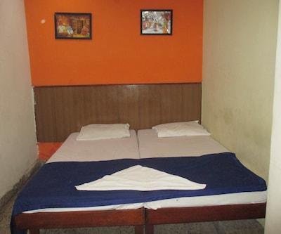 Sree Valsam Guest House,Chennai