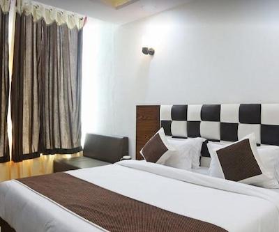 Hotel N.R. Inn,Agra