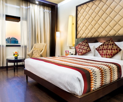 Club Double Room with Breakfast,