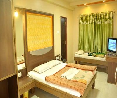 Sona Palace Guest House,Srinagar
