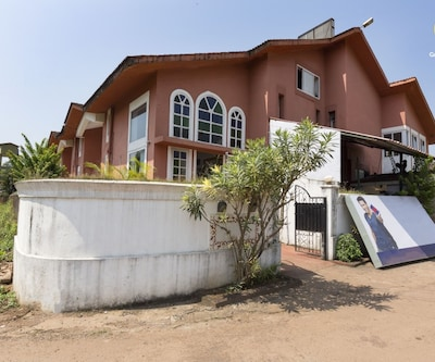 2-bedroom villa with a pool, 2.9 km from Anjuna Flea Market,Goa