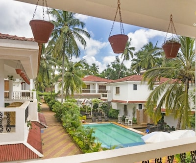 Lavish 4-BHK pet-friendly pool villa, in proximity to Baga and Calangute Beach,Goa