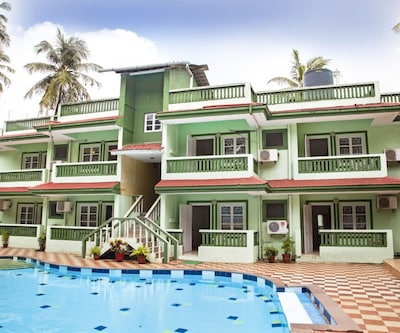 3-bedroom spacious villa with a pool, 1.4 km from Candolim beach,Goa