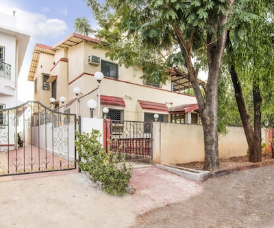 Peaceful 5-BR bungalow for a family reunion,Lonavala