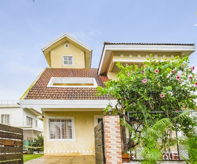 Charming 3-BR bungalow for a group getaway,Lonavala